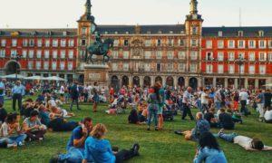 Plaza Mayor Madrid Con Algas en la Maleta