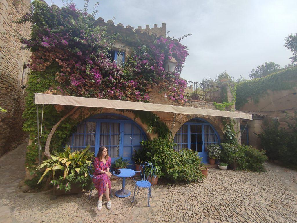 Casa flores torre Peratallada